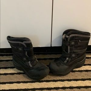 Boys  new outback winter boots
